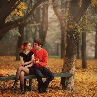 Любовь в красно-желтых тонах :: Сергей Урюпин