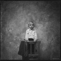 на стуле. :: Сергей Белов