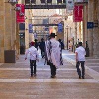 Мамила-дорога от Яффских ворот.Иерусалим. :: Алла Шапошникова