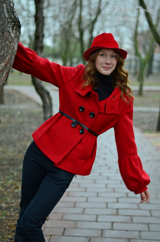Красная шапочка в пасмурный день - Вероника Томилова