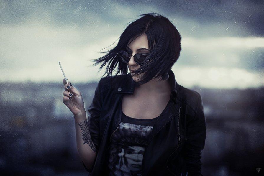 Nikki York - Maksim Serikow