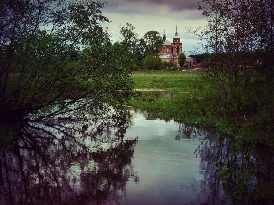 Старинная церковь - Екатерина Жукова