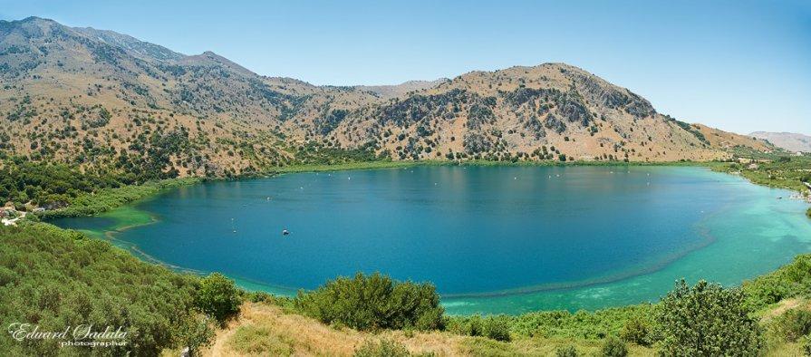 Горное озеро на Крите. - Eduard Sadala
