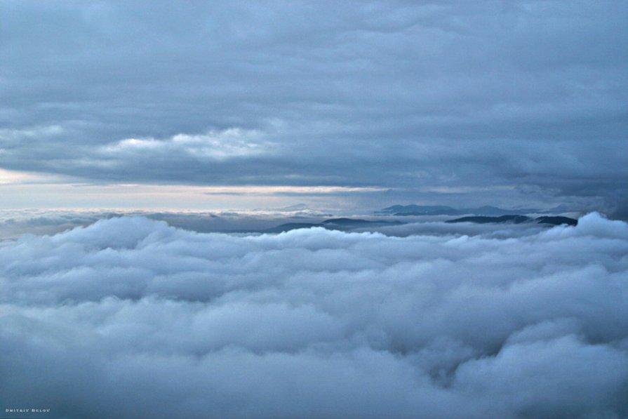 между землей и небом - это именно так и выглядит - Дмитрий Белов