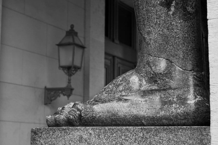 Памятник - Евгения Ермолаева