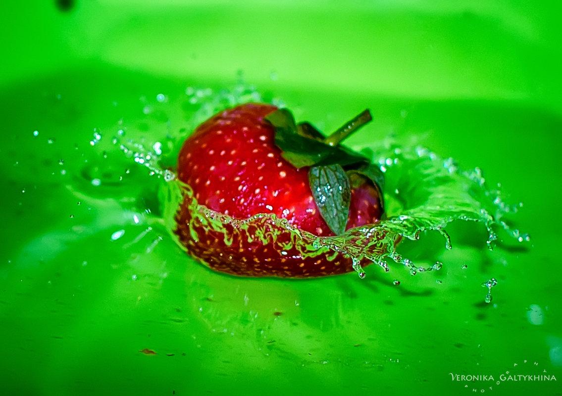 hellish strawberry - Вероника Галтыхина