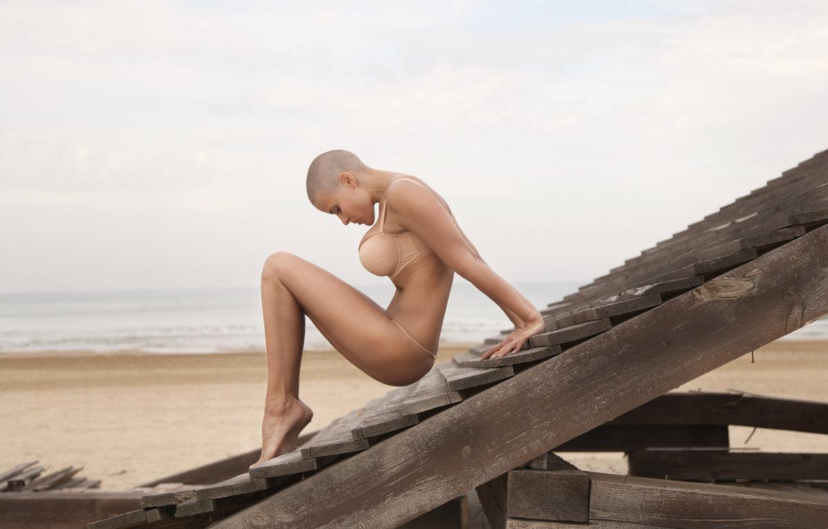 fitness-model-photoshop-photo-editing-sample