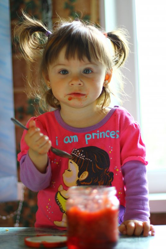 Дети едят варенье картинки