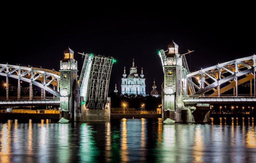 ночная экскурсия по санкт петербургу мосты интерьер