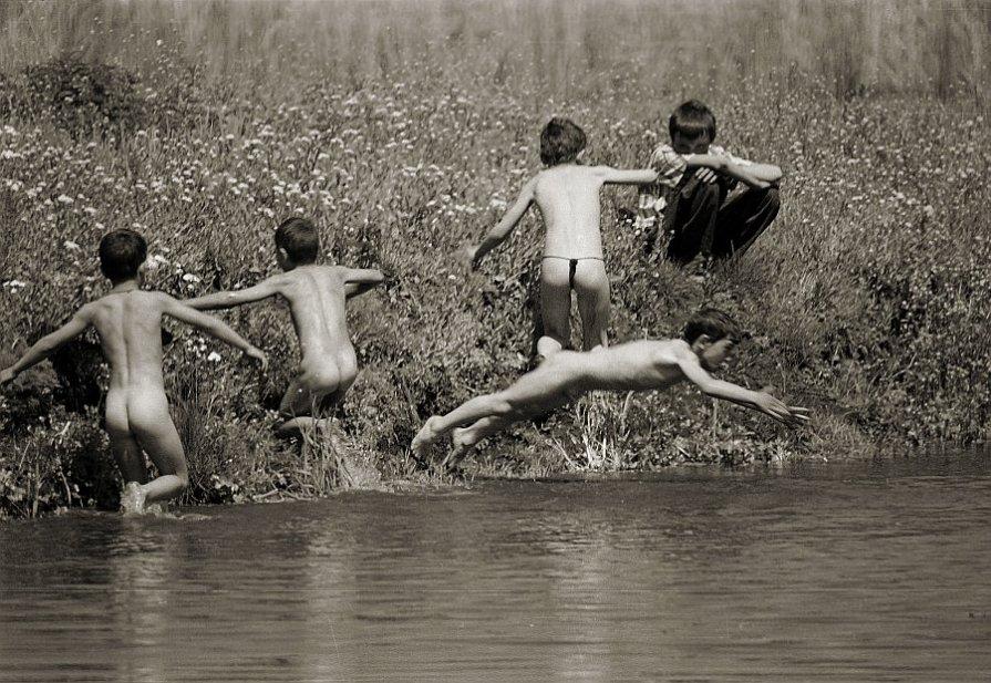 Первомайские купания - Anatolie Poiata
