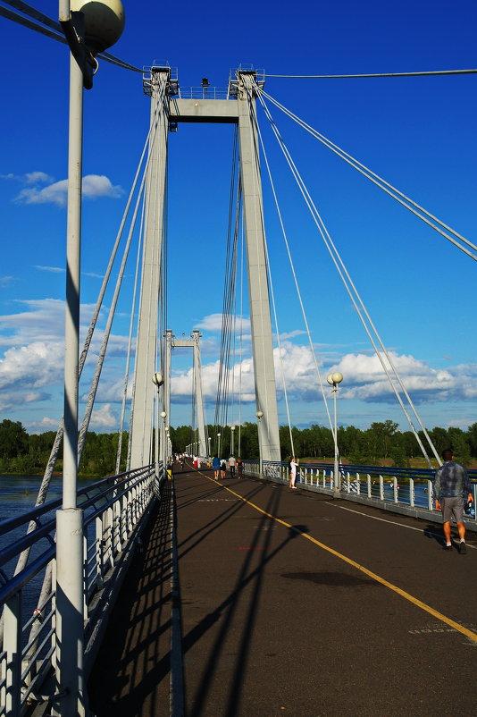 Подвесной мост через протоку в Красноярске. - Владимир Михайлович Дадочкин