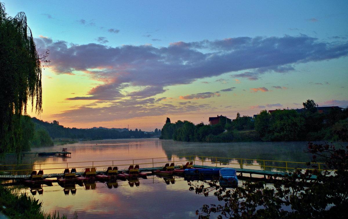 утро на лодочной станции - юрий иванов