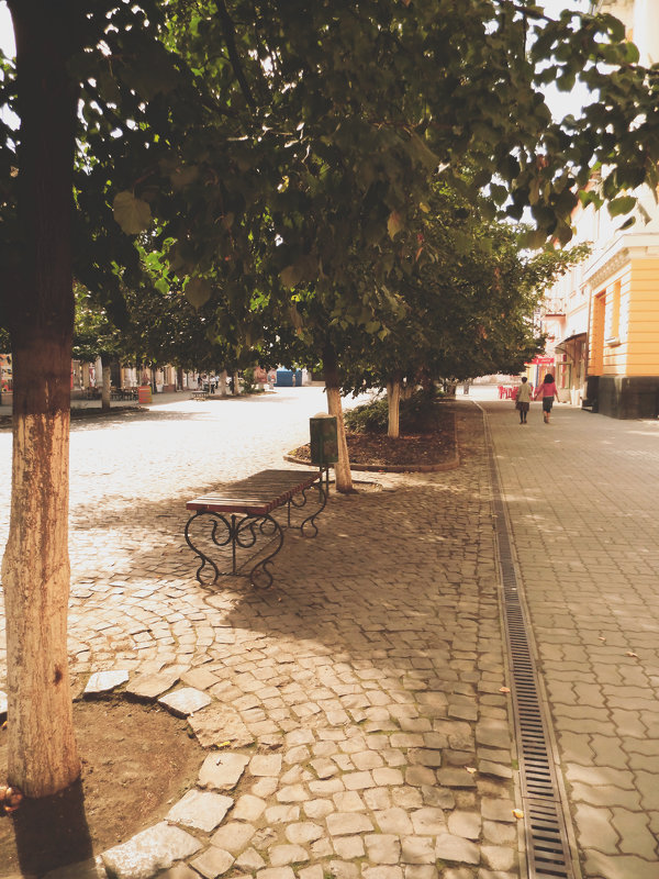 Місто - Христя Стефанишина
