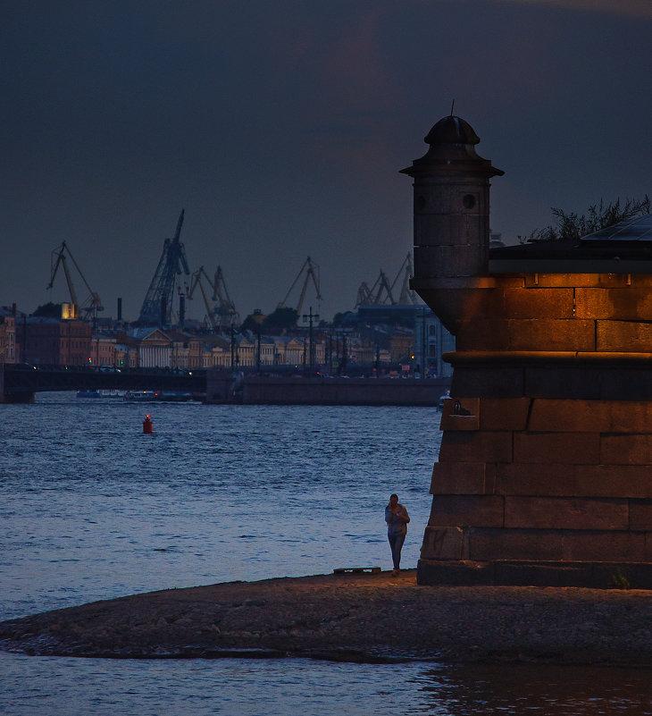 И где-то виден порт... - Елизавета Вавилова