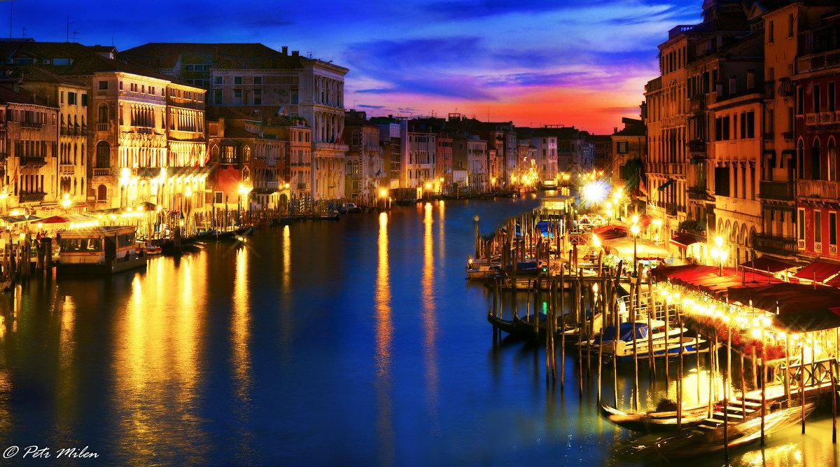 Фейерверк огней Большого канала. Венеция. - Petr Milen