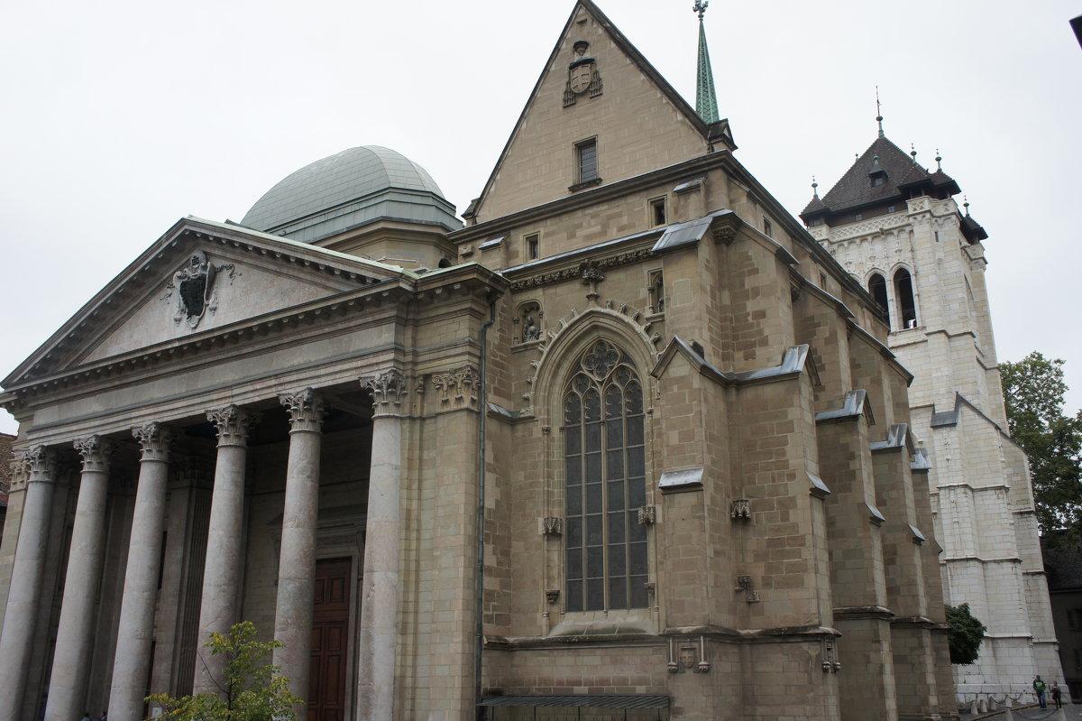 Собор Святого Петра. Спереди Собор удивительно похож на Пантеон - Елена Павлова (Смолова)