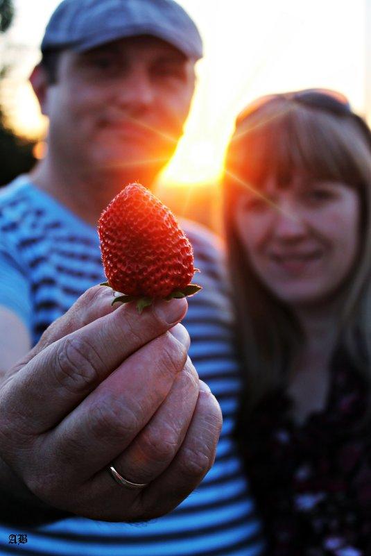 strawberry) - Angelina Bandura