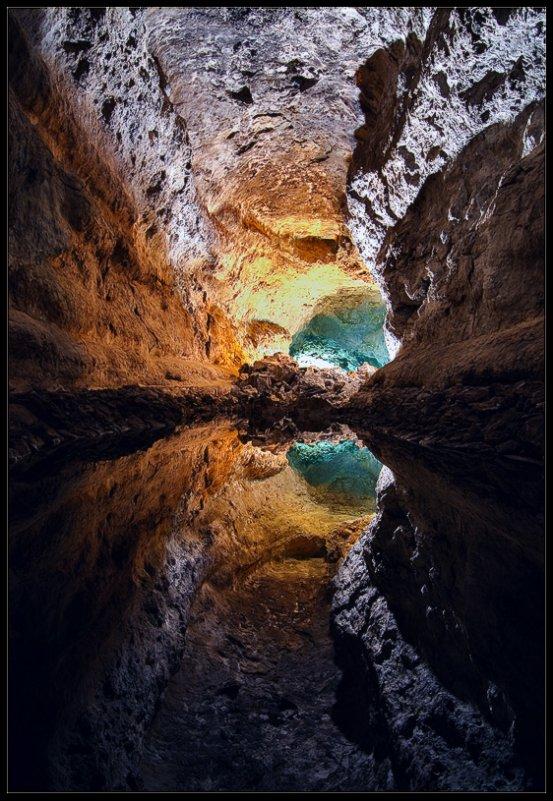Изумрудная пещера - Александр Константинов