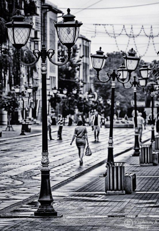 На бульваре - Владимир Ноздрачев
