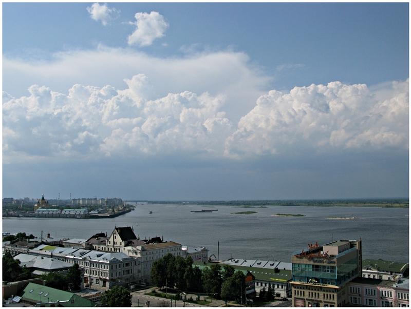 Облака над Стрелкой - Валерий Оболенский