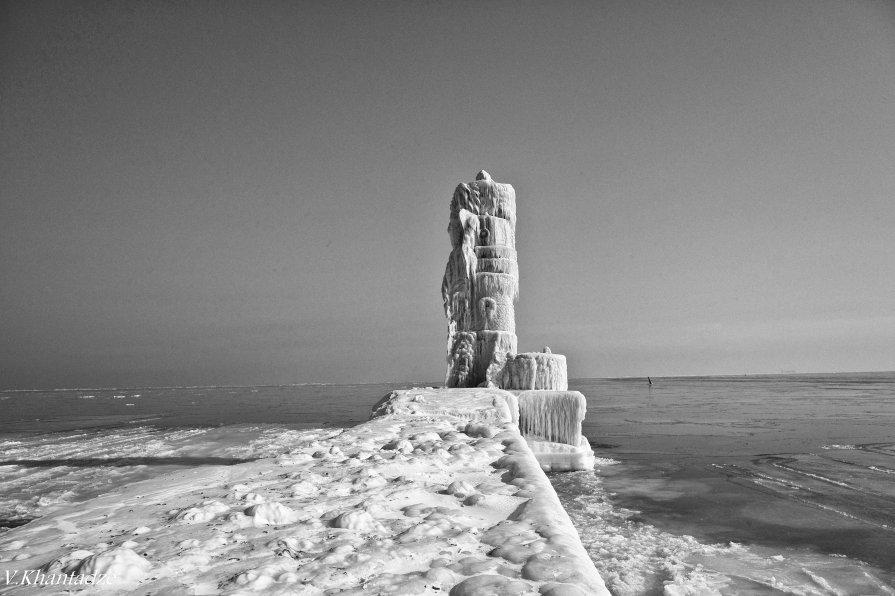 Зима на брекватере - Вахтанг Хантадзе