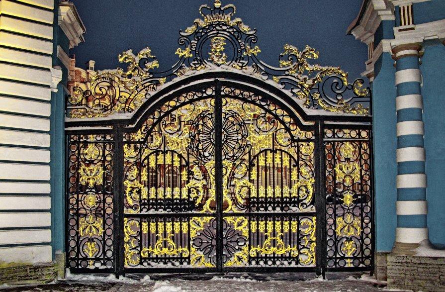 Ворота в парадный двор Екатеринирского дворца - Олег Попков