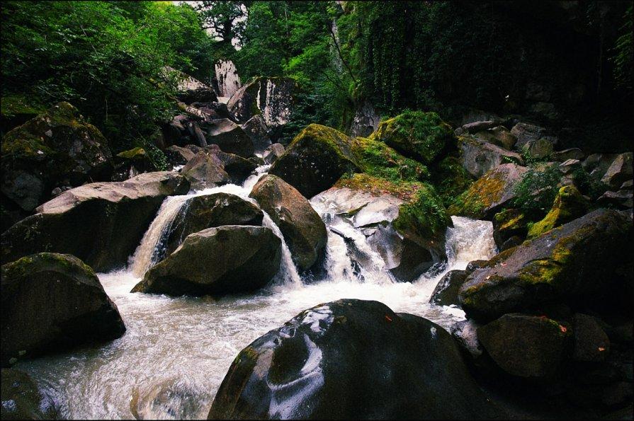 Вода камень точит - Alexander Reiz
