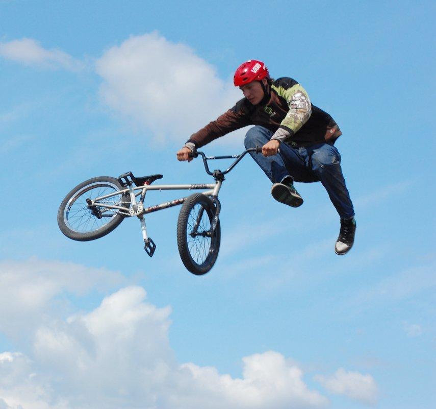И на велосипеде можно летать - Тимофей Герасимов