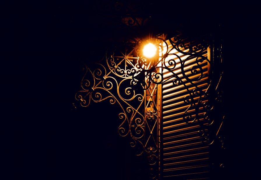 ночь, улица.....аптека за спиной)) - Александр Барышев