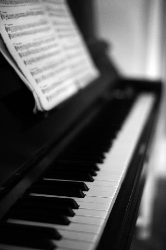 и звуки музыки..... - Марина Брюховецкая