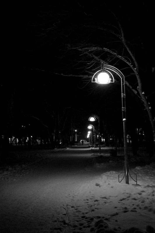 Ночь. Улица. Фонарь - Ильназ Габбасов