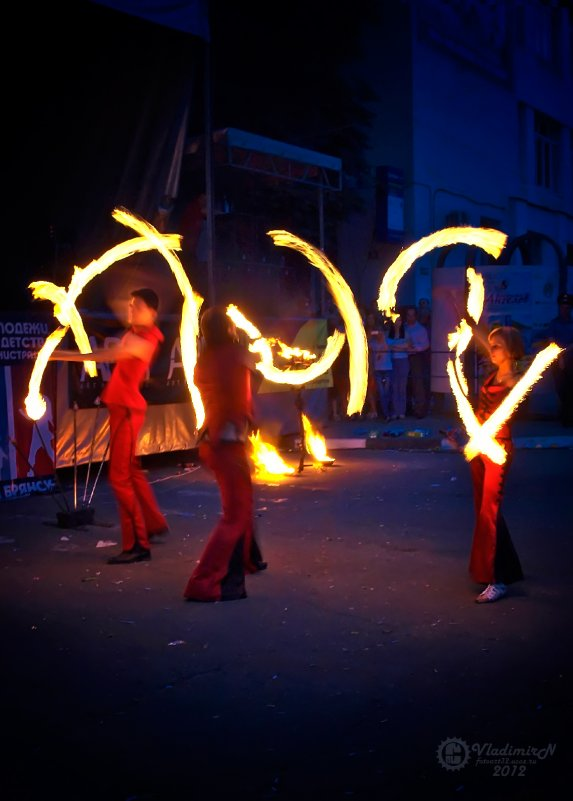 Танцы с огнем - Владимир Ноздрачев