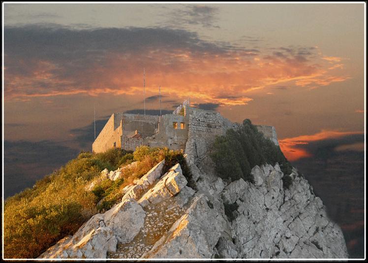 Старая крепость.. - Виталий Внимательный.