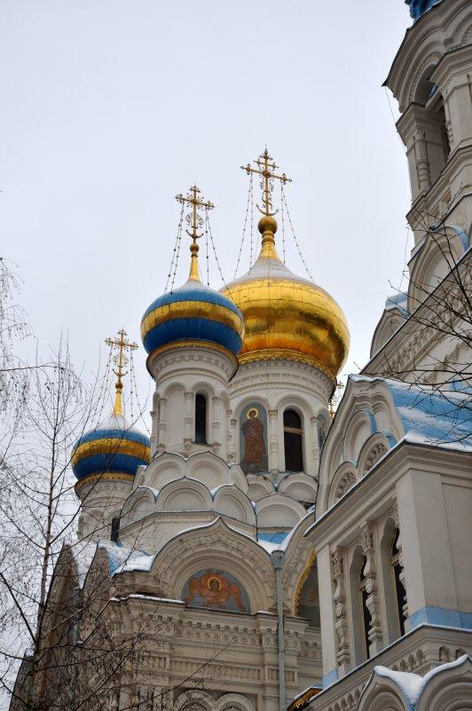 Церковь Святых первоверховных апостолов Петра и Павла - человечик prikolist