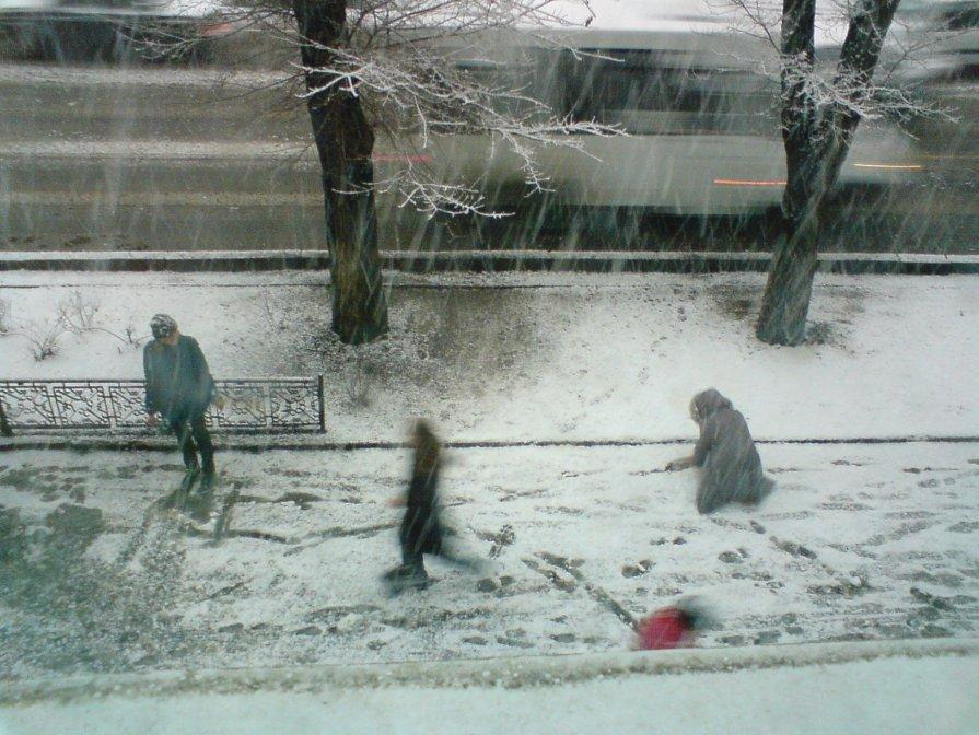 Первый снег - Анастасия Ухач