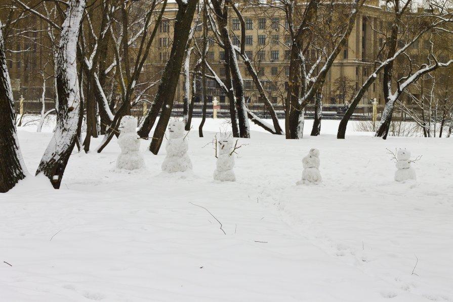 Снеговики - Григорий Григорьев