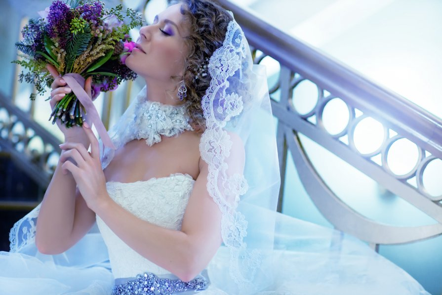 прически на свадьбу жанна