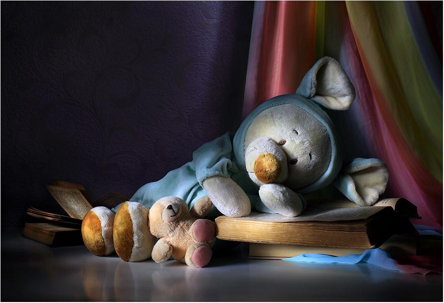 Спят усталые игрушки, книжки спят / Поздравляю всех с наступающим Новым
