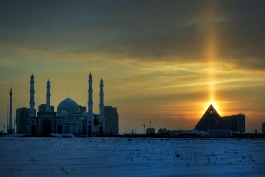 Закат в казахской столице фото