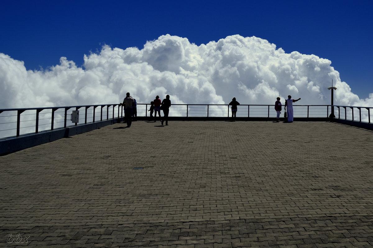 Jgl на съемках дотянуться до облаков/reach the clouds в