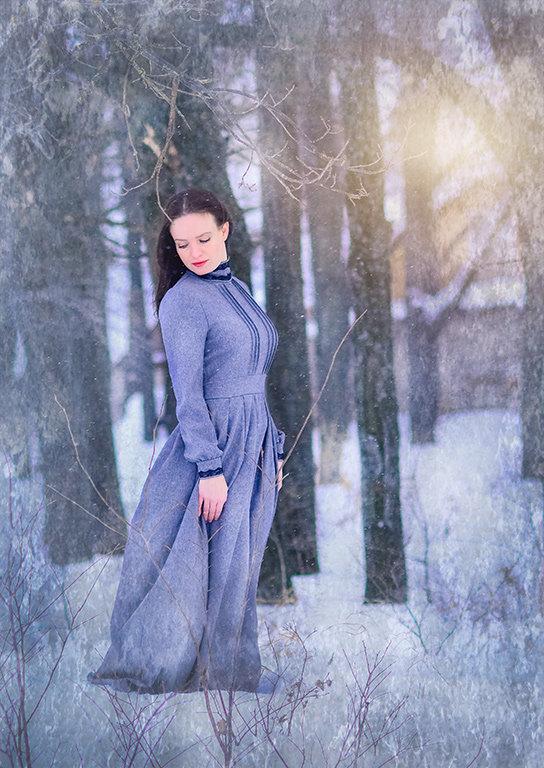 девушка в лесу - Еления Харченко