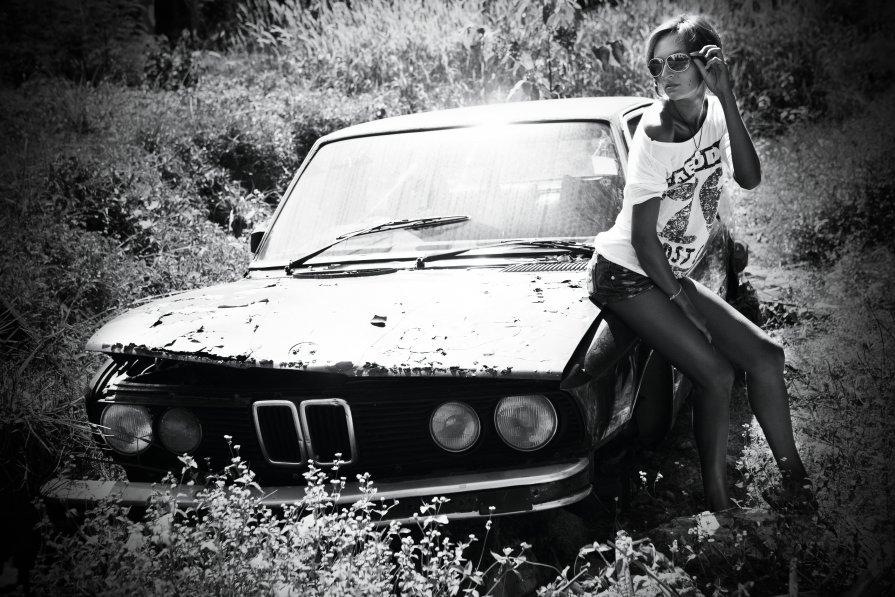 Old Car - Evgeny Saukov