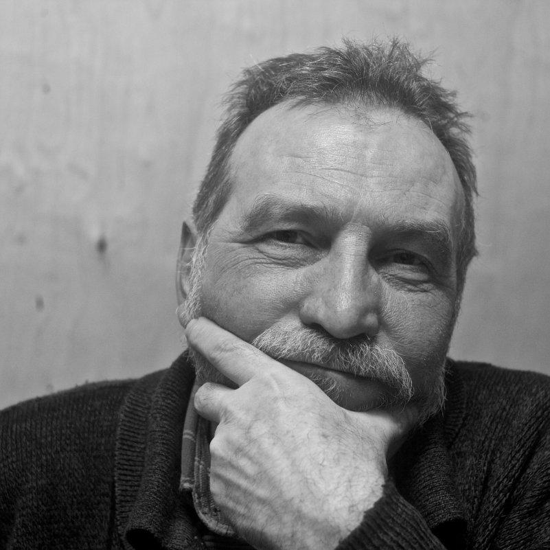 портрет плотника 1х1 - Михаил Луговой