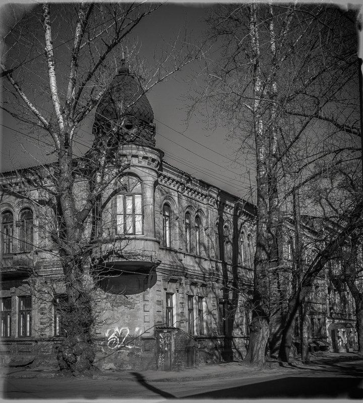 Подставив фасад первым лучам - Игорь Найда