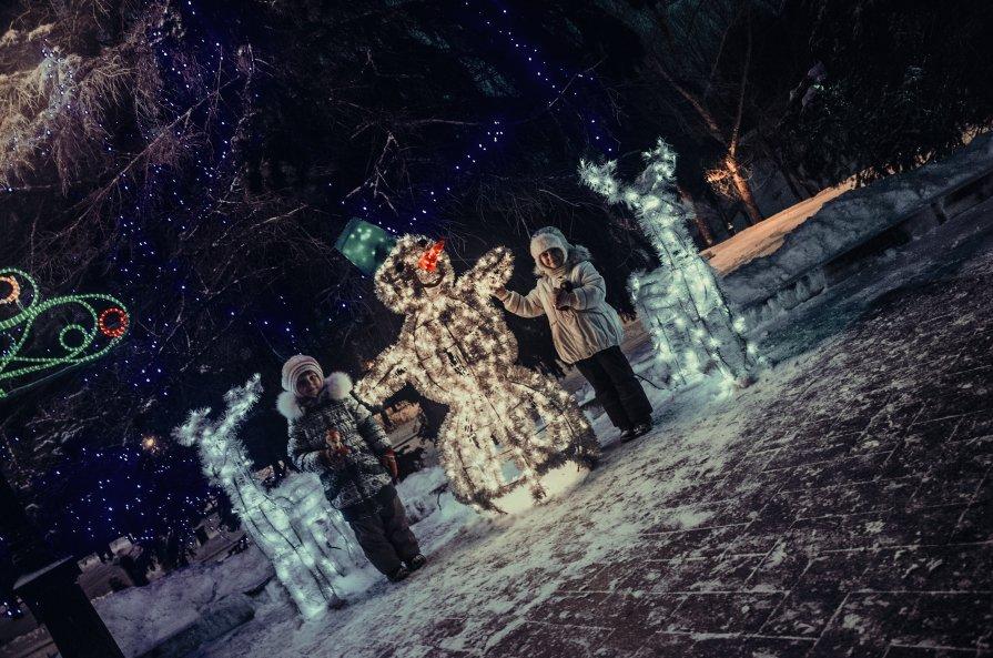 Дети и Снеговик - Андрей Дыдыкин