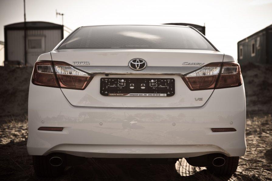 Toyota Camry 2012 - Сашка Васильев