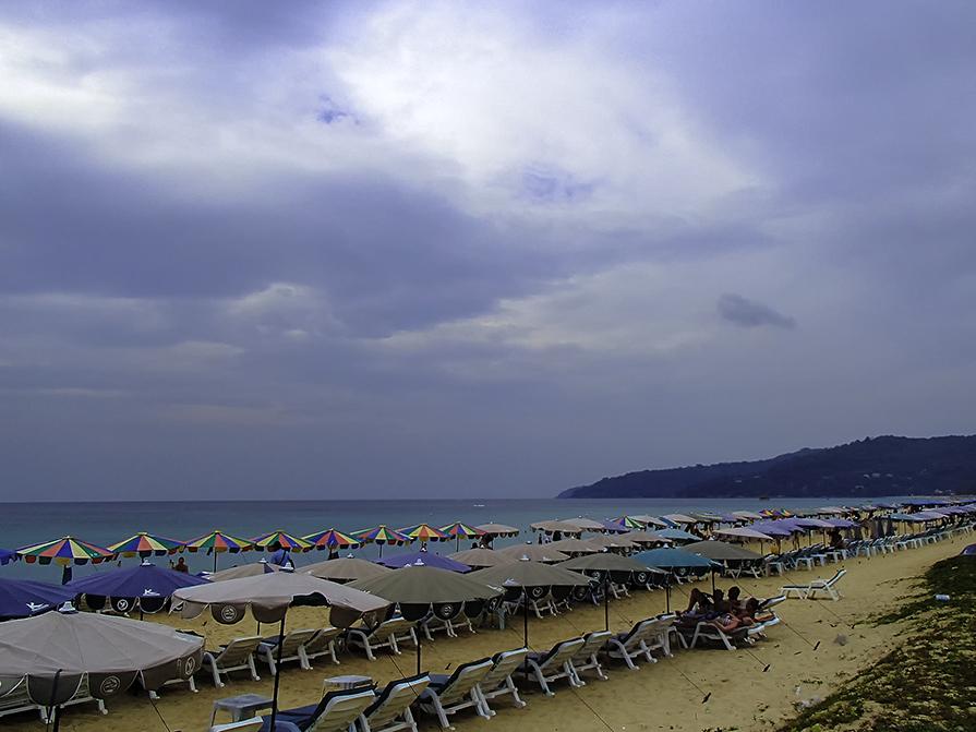 Иной пляж - Олег Ионичев