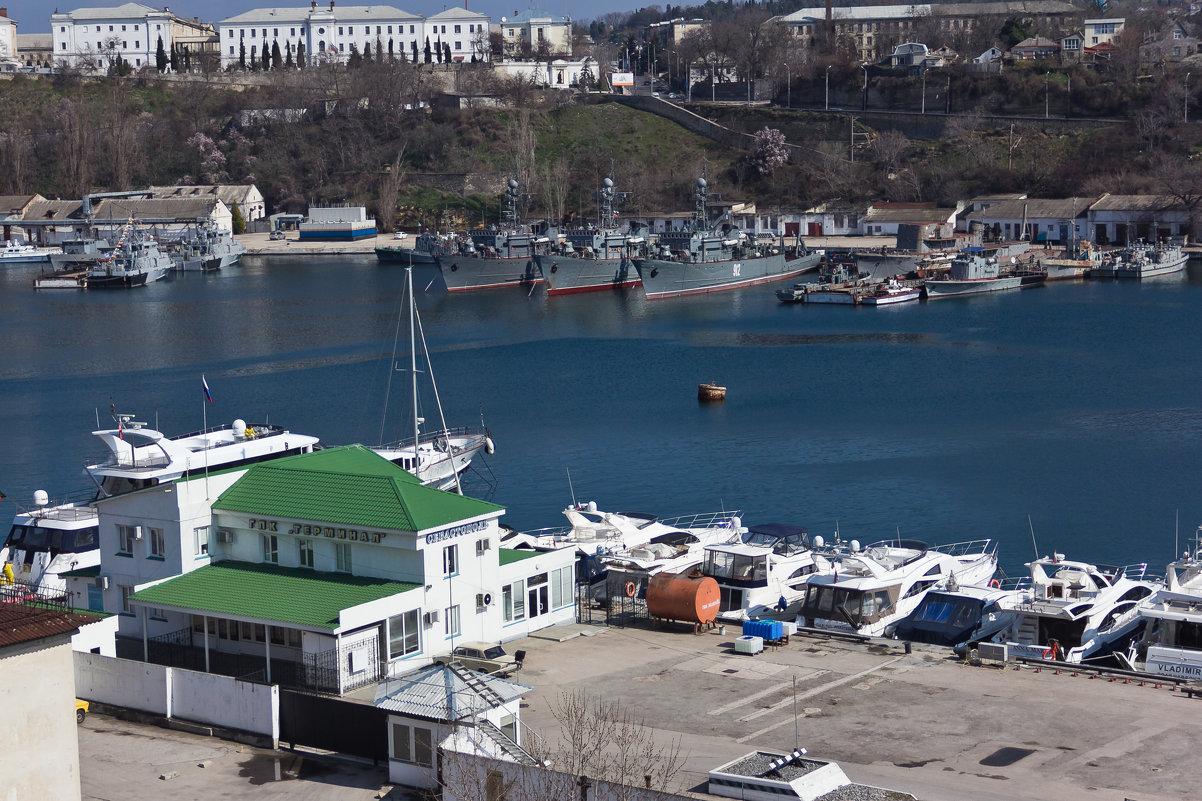 Севастополь. Яхты и военные корабли - Alexandr Semeniakin