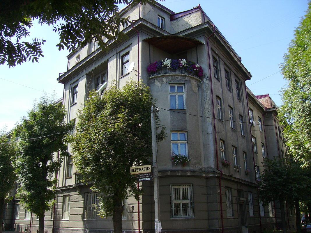 Украина, западная, ивано, франковск, улица, прохожие, старый, город, люди, день