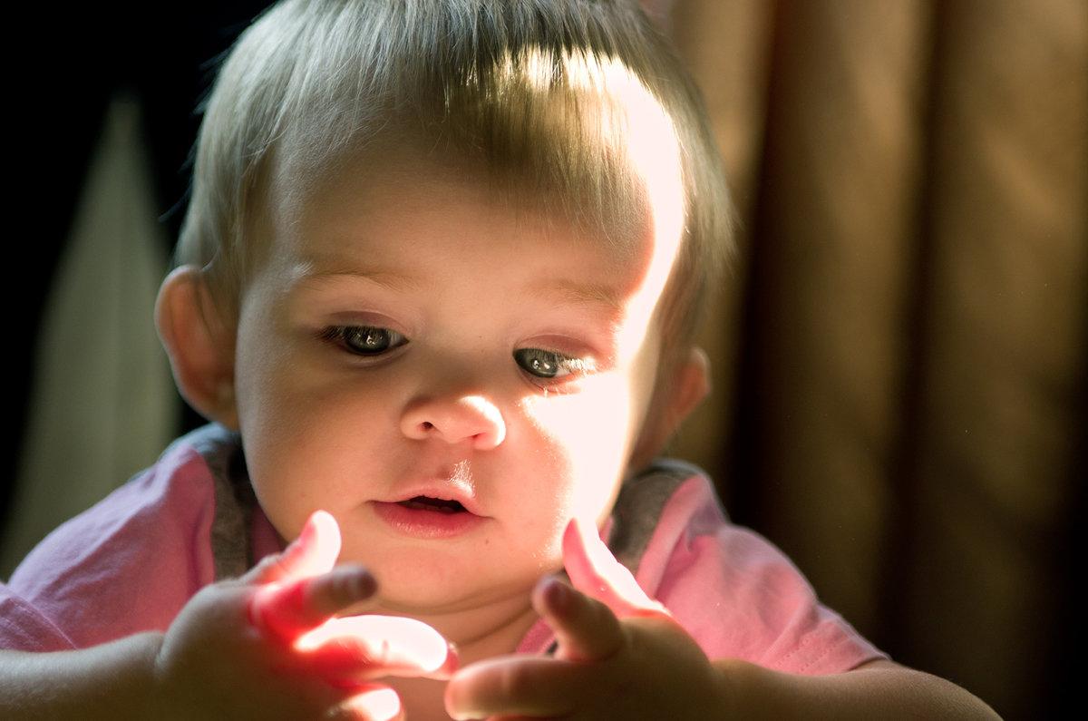 А вы знали, что у малышей прозрачные пальчики? - Антон Ильяшенко